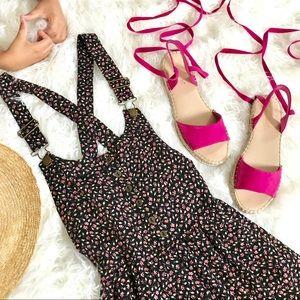Dresses & Skirts - Floral Jumper Dress